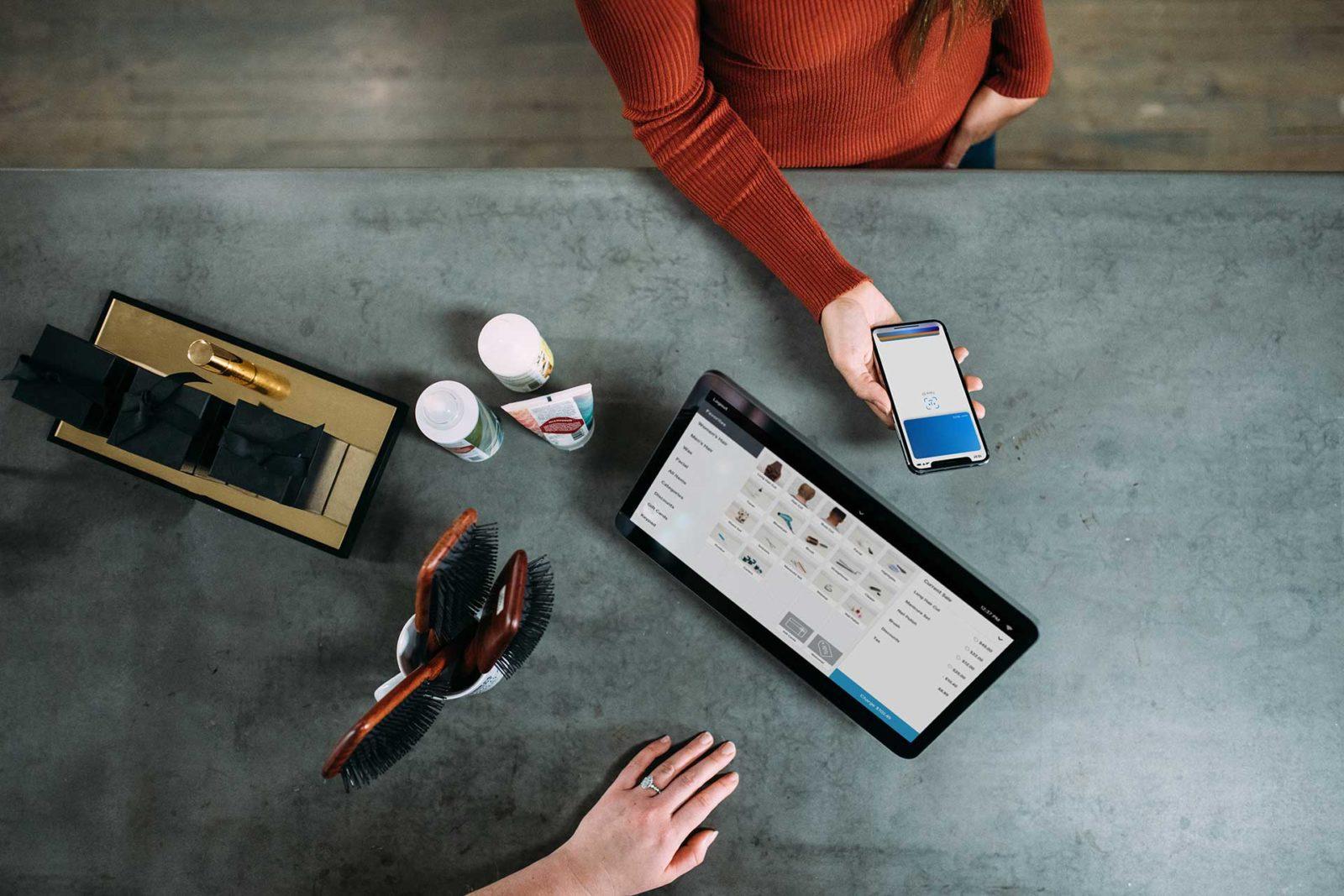 Verschmelzung Online- und Offline-Handel